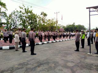 Pimpin Apel Pagi, Kapolres Sintang Ajak Personil Tingkatkan Disiplin Dan Laksanakan Tugas Dengan Penuh Tanggungjawab